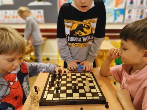 Rozgrywki szachowe w 1 b (1)